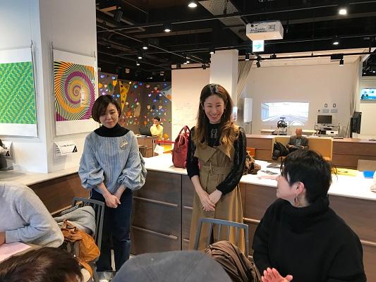 神戸アイセンター・ネイル体験サロン sakaeスタッフさんによる説明