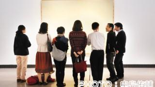 「視覚障害者とつくる美術鑑賞ワークショップ」横浜美術館でのワークショップ風景